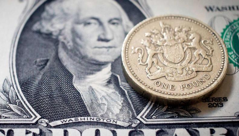 Курс фунта стерлингов впервые отыграл октябрьский провал на бирже фото:independent.co.uk