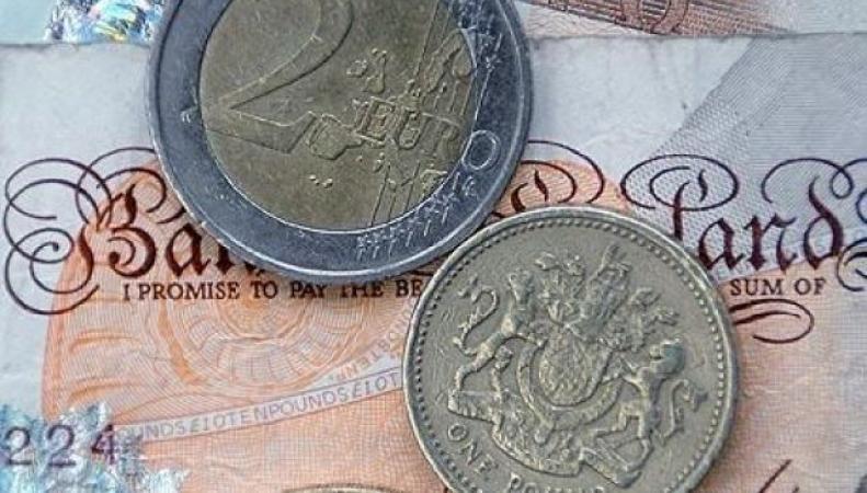 Брюссель потребует от Британии перехода в еврозону, - прогноз евроскептиков фото:thisismoney.co.uk