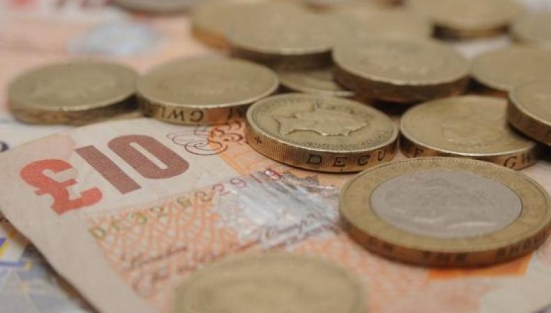 Фунт стерлингов достиг максимального курса к евро за десять недель