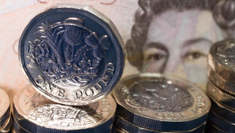 Объем бюджетных заимствований в Великобритании снизился до минимума за десять лет фото:skynews