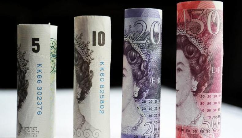 Депутаты Палаты общин требуют ограничить банки в размере штрафа за овердрафт