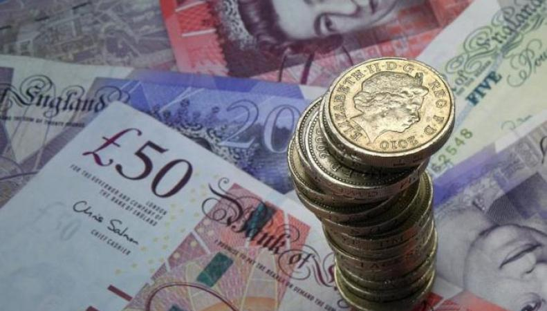 Комитет статистики  сообщил о росте зарплат и занятости в Великобритании