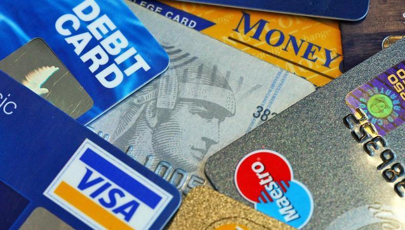 Visa в Великобритании объявит войну покупкам за наличные деньги фото:independent