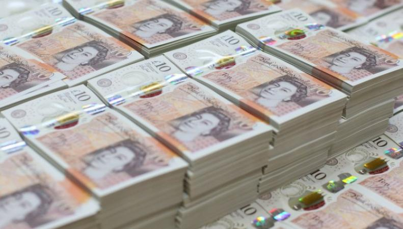 Кафе в Сохо отказалось принимать к оплате новые пластиковые банкноты фото:standard.co.uk