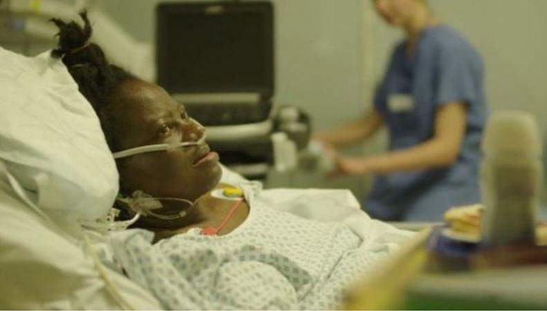 Иностранных пациентов в больницах NHS заставят платить вперед фото:bbc