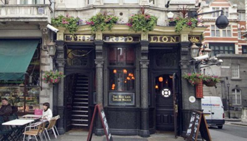 Депутаты Парламента попытались национализировать частный паб в Вестминстере фото:theguardian.com