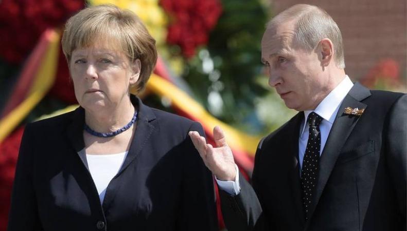 """Меркель нанесёт """"удар под дых"""" Порошенко"""