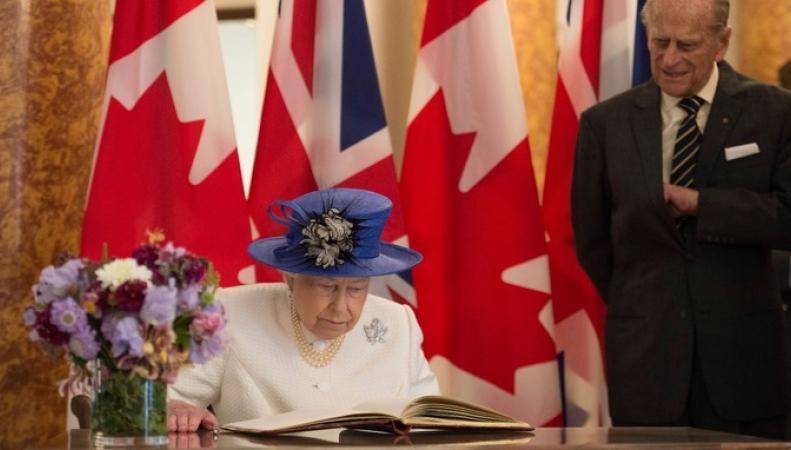Генерал-губернатор Канады нарушил протокол в отношении Ее Величества фото:itv