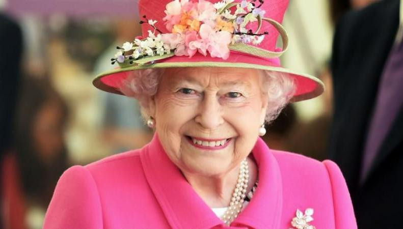 Королевский двор опроверг слухи о предстоящем отречении Елизаветы II фото:thetimes
