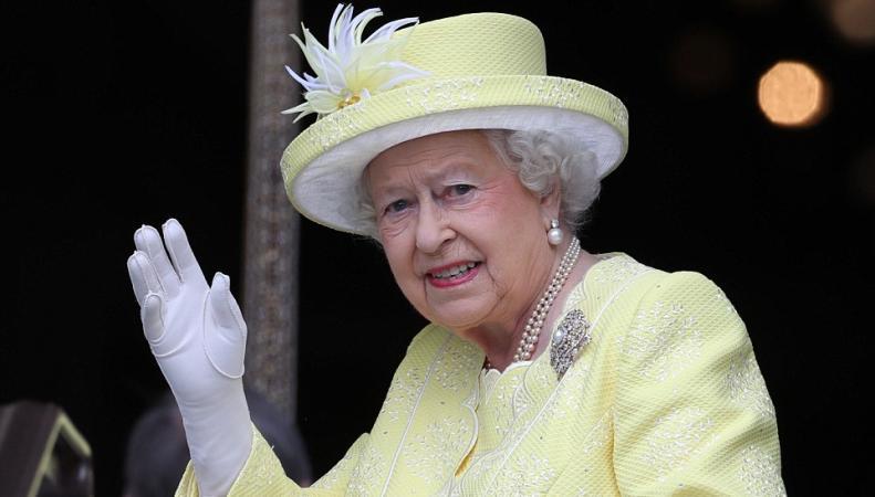 Члены королевской семьи посетили торжественное богослужение в честь Ее Величества фото:dailymail.co.uk