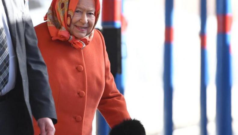 Королева Елизавета II вернулась в Лондон с рождественских каникул