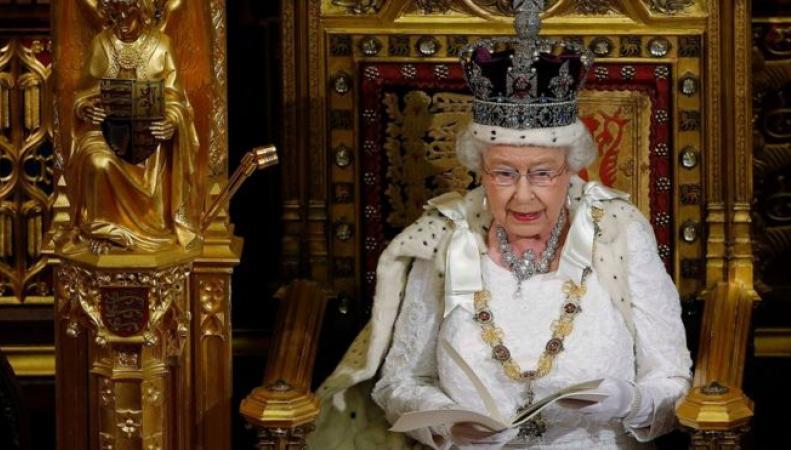 Королевская Тронная речь перенесена – правительство консерваторов в состоянии хаоса
