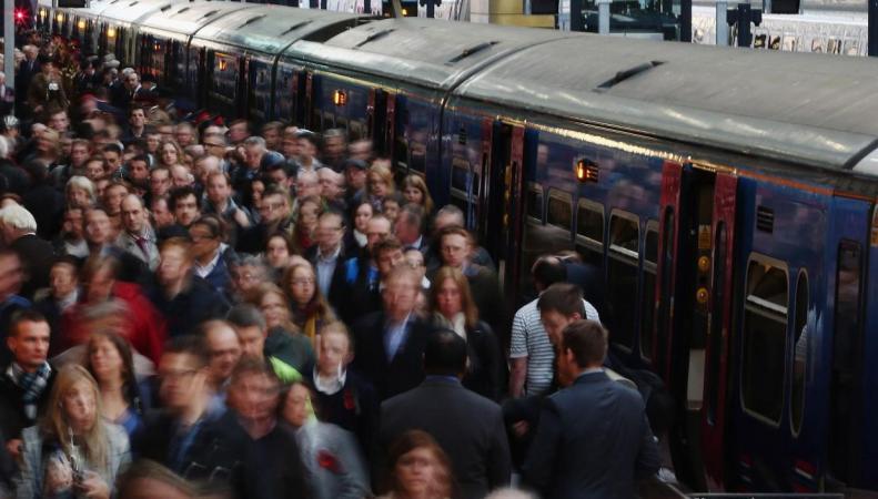 Британские железнодорожные перевозчики скрывают выгодные тарифы от пассажиров фото:thetimes.co.uk