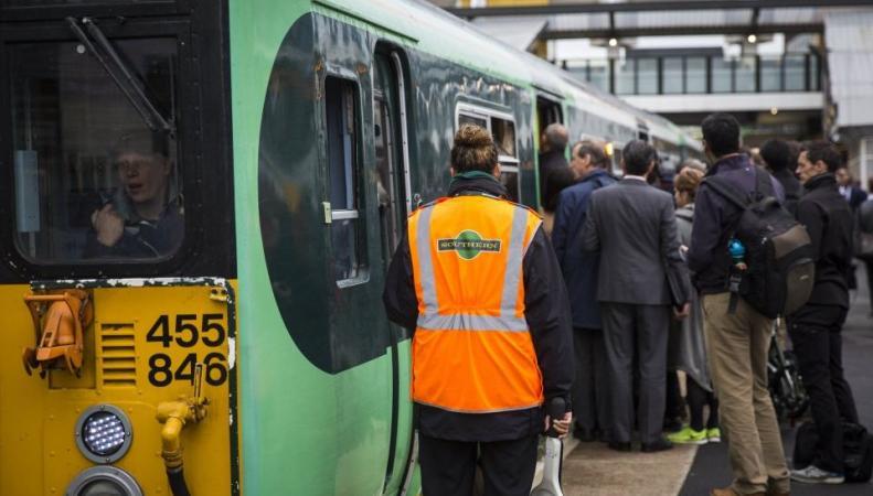 Британские железнодорожники намерены устроить забастовку вместе с работниками метро фото:cityam