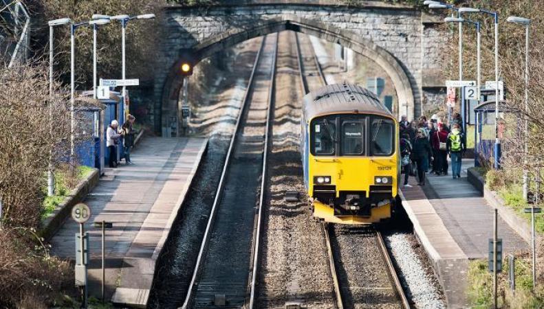 Великобритания планирует отказаться от дизельных локомотивов