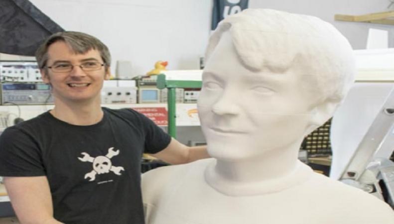 Британец попал в Книгу рекордов Гиннеса, напечатав себя на 3D-принтере