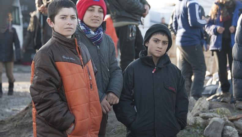 Англия примет сотни несовершеннолетних иммигрантов изКале