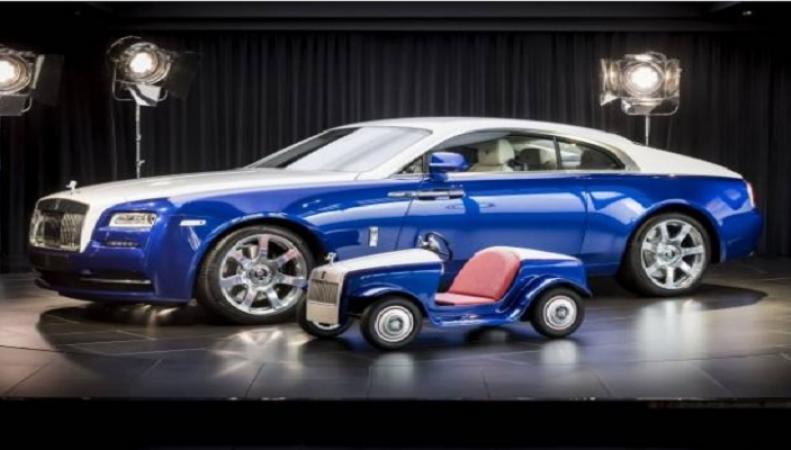Самый маленький Rolls-Royce в истории прошел техосмотр