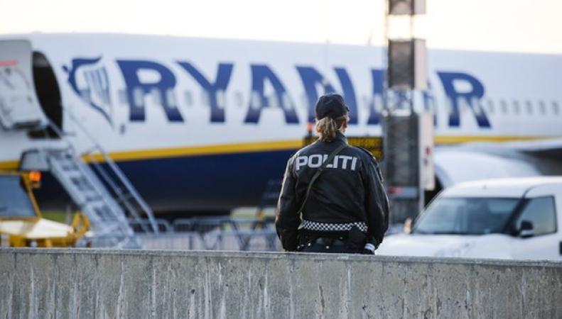 Рейс Ryanair в Манчестер был задержан из-за угрозы теракта фото:theguardian.com