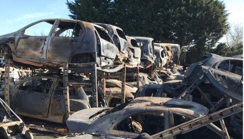 По подозрению в поджоге машин в Кенте арестована девушка-подросток