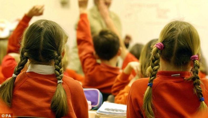 Родители в Англии игнорируют запрет на вывоз детей в отпуск во время семестров