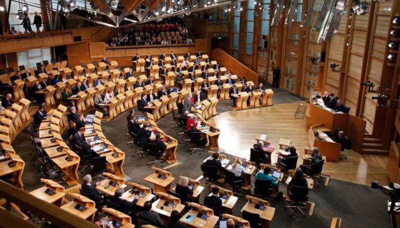 Парламент Шотландии номинально проголосовал против запуска Brexit