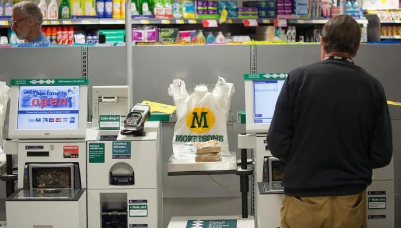 Британские супермаркеты потерпели миллиардные убытки из-за касс самообслуживания