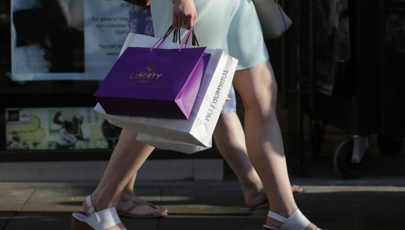 Потребительская уверенность британцев забуксовала в сентябре фото:independent.co.uk