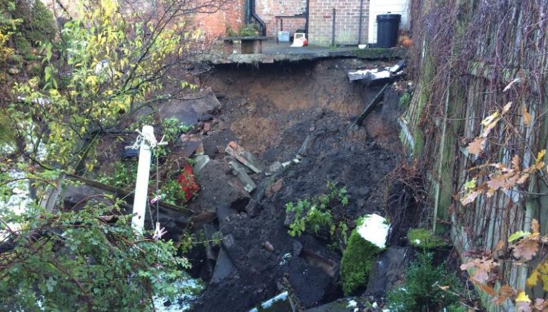 Эвакуация в Северном Йоркшире: семь домов уходят под землю фото:twitter.com