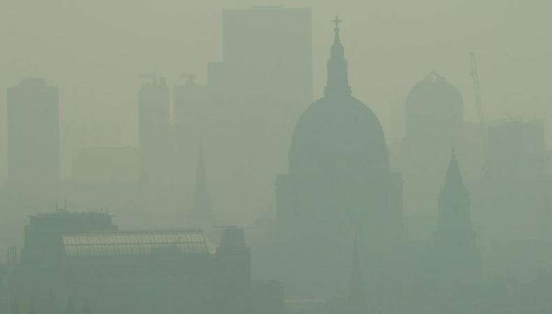 В Лондоне зафиксирован экстремально высокий уровень загрязнения воздуха фото:bbc.com