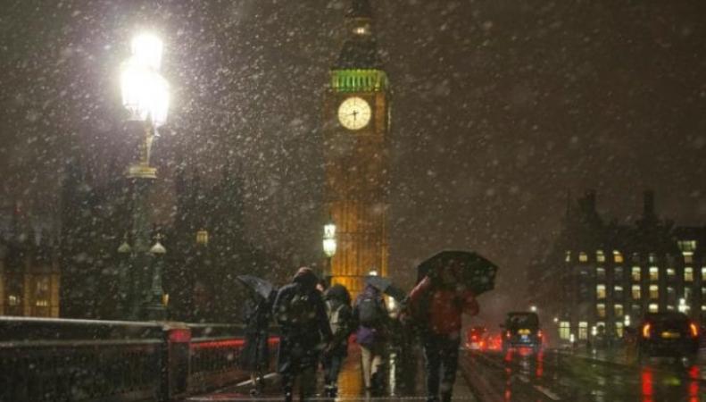 Снег в Лондоне: белые городские пейзажи и транспортный коллапс фото:telegraph.co.uk