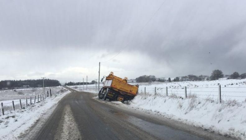 Шотландию накрыло обильным снегопадом фото:bbc