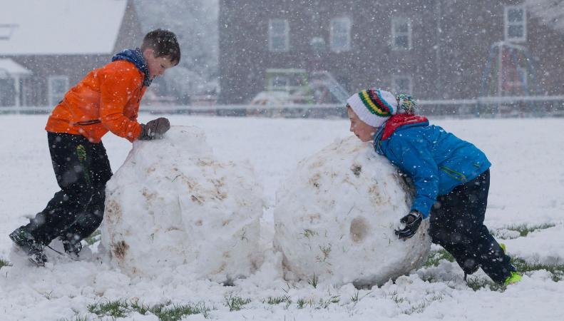По северу Великобритании объявлено штормовое предупреждение из-за снегопада фото:dailyrecords