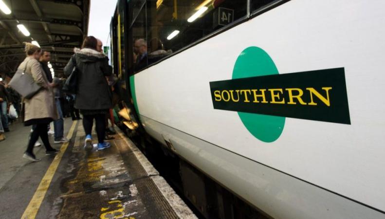 Обладатели проездных билетов Southern получат компенсацию за забастовки машинистов фото:bbc