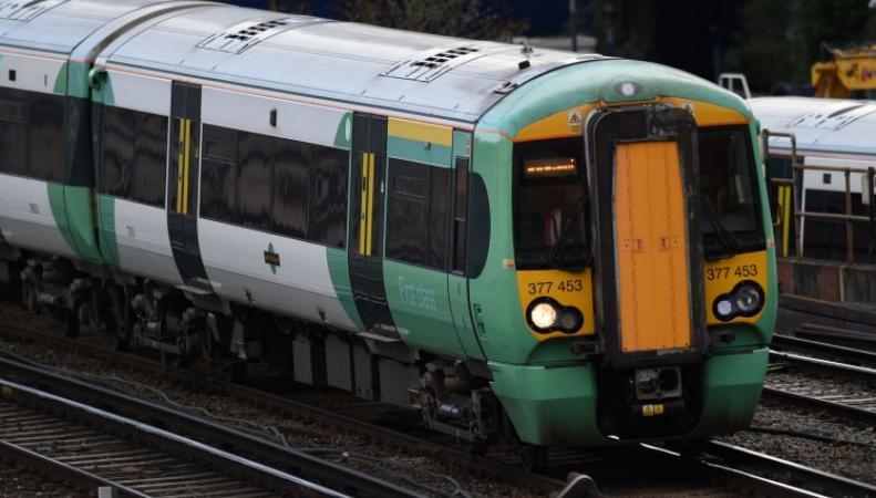 Машинисты Southern Rail отказались от «депутатской» зарплаты  и продолжат бастовать фото:metro