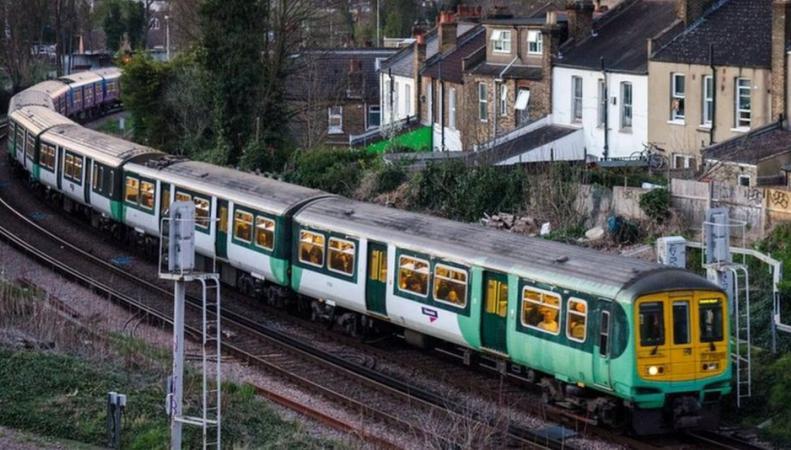 Пассажирам электричек Southern предстоит пережить пятидневный транспортный коллапс фото:bbc.com