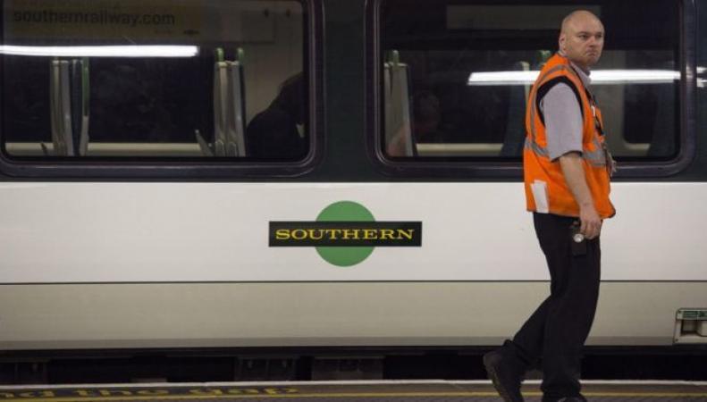 Southern Rails вернет в расписание треть отмененных поездов фото:bbc.com