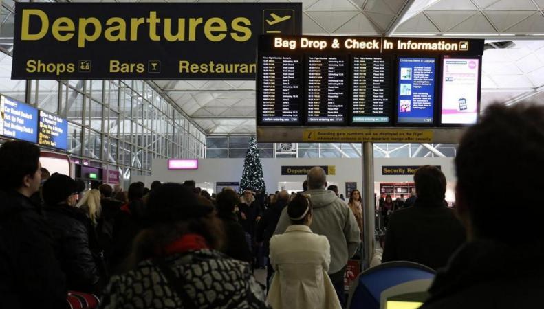 Названы британские аэропорты с худшей пассажирской логистикой фото:standard.co.uk