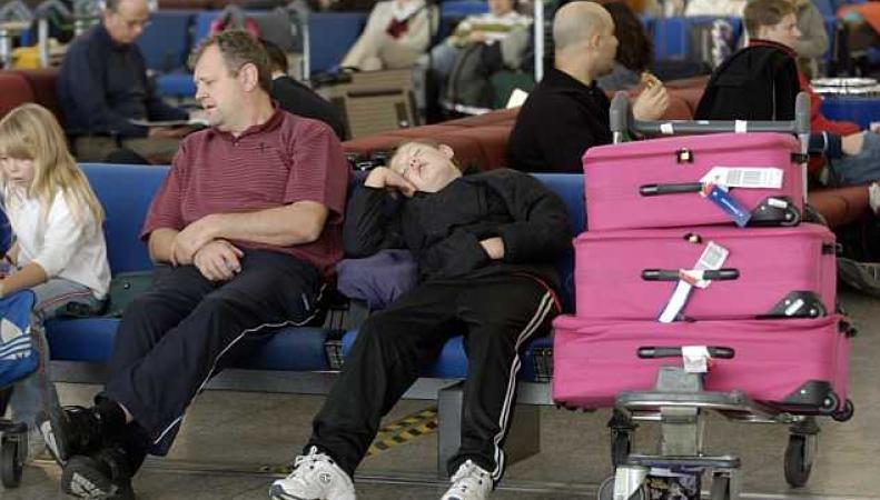 Аэропорт Станстед запретил путешественникам спать в зоне вылета