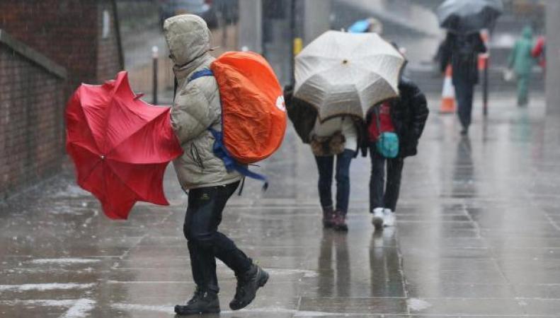 На Великобританию надвигается первый в сезоне именной шторм фото:standard.co,uk