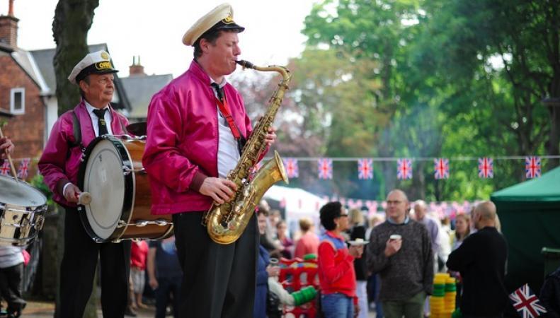 Жители Лондона отметят День рождения королевы уличными празднествами фото:itv.com