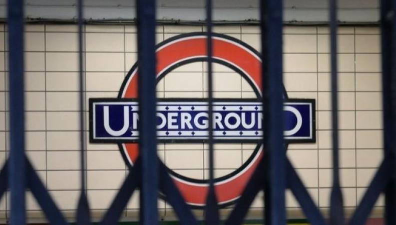TfL попытается предотвратить суточную забастовку машинистов на линии метро Central фото:bbc
