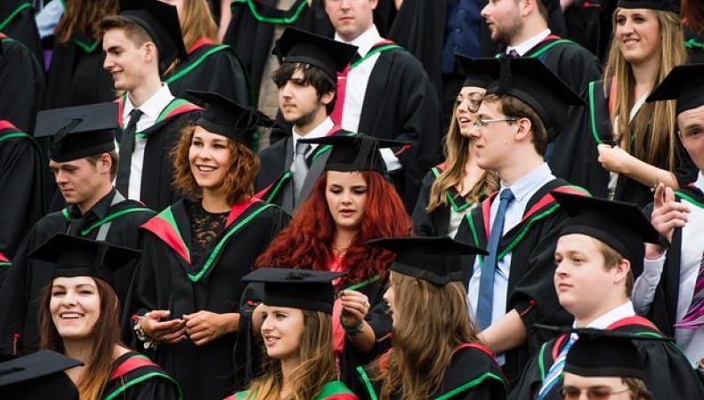 В Великобритании изменилась плата за студенческие займы фото:theguardian.com