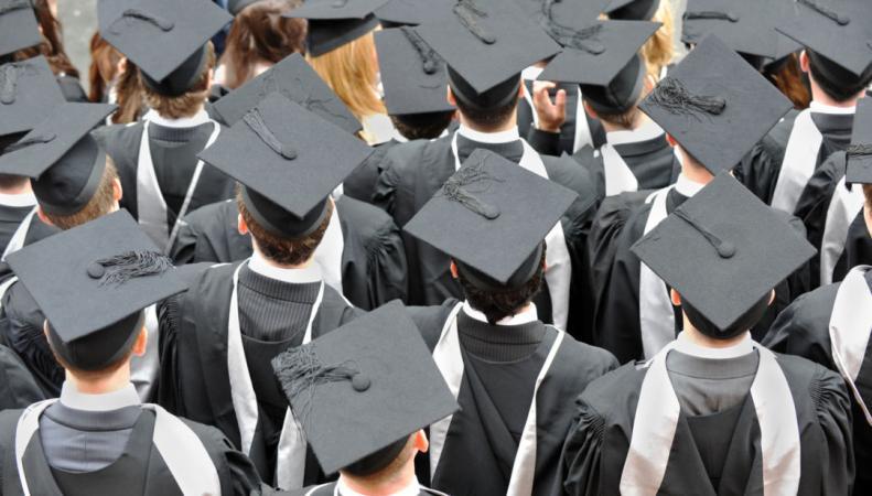 В партии консерваторов усиливается раскол по вопросу об иностранных студентах фото:sky