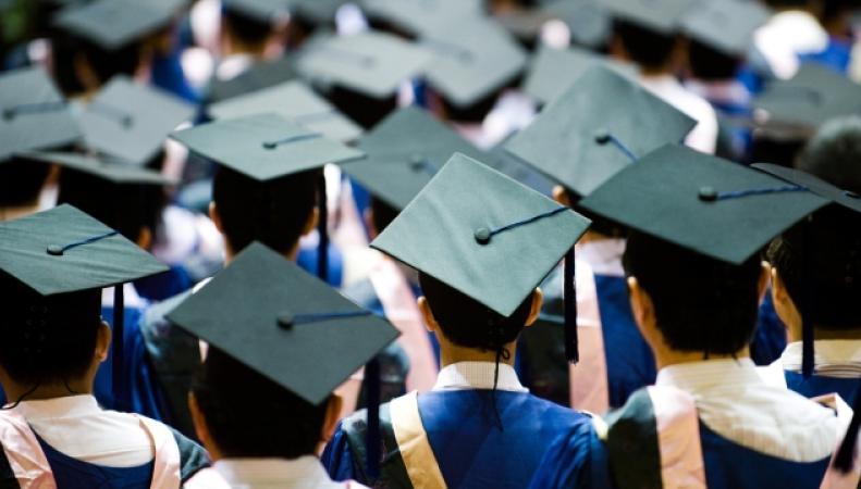 Тереза Мэй потерпела поражение в споре о статусе иностранных студентов