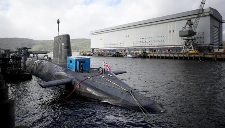 Раскрыты обстоятельства опасного сближения ядерной субмарины и парома в Ирландском море