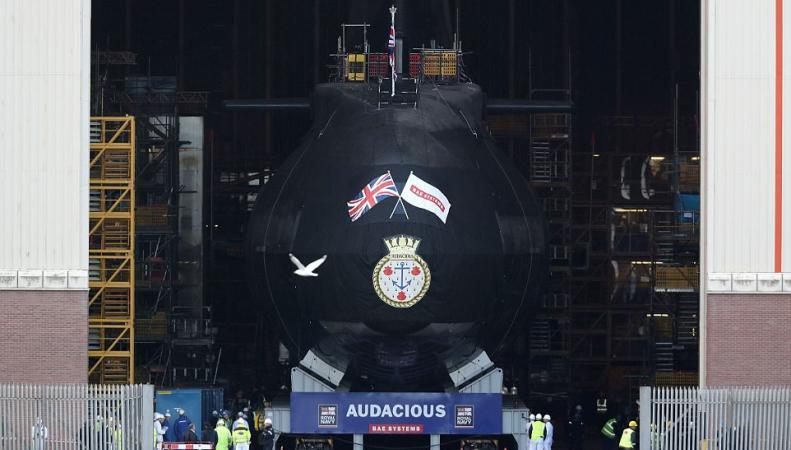 Королевский флот Великобритании пополнился новой атомной подлодкой фото:dailymail