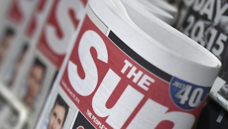 Журналисты британских таблоидов нагнетают истерию вокруг трагедии Grenfell Tower