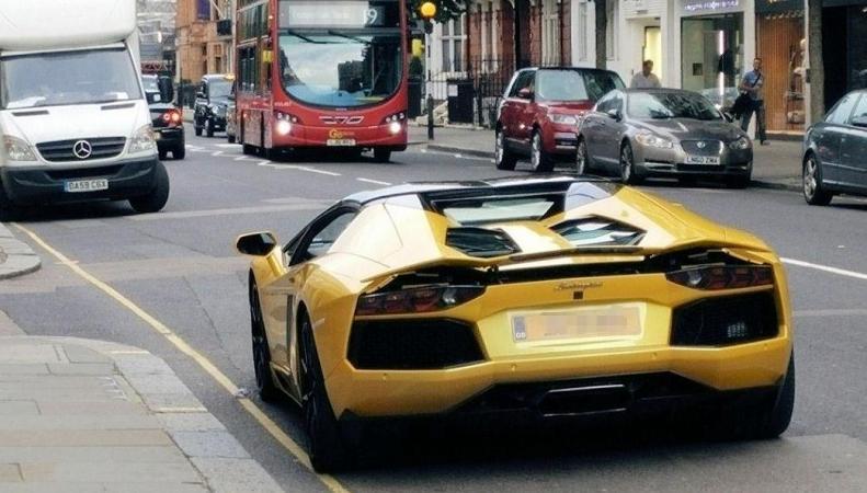 Скотланд-Ярд добился права арестовывать суперкары лондонских лихачей фото:standard.co.uk