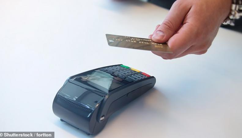 Оборот бесконтактных платежей в Великобритании вырос на треть за год